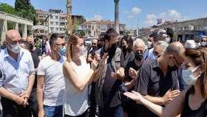 """Sanatçılar Özgürlük Meydanından seslendi: """"Bıçak Kemiğe dayandı!"""""""