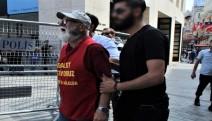 TAYAD'lı Aileler'den abluka altındaki Galatasaray Meydanı'nda protesto eylemi
