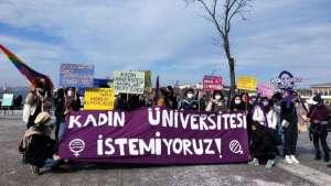 Üniversiteli kadınlar: Kadın üniversitesi istemiyoruz