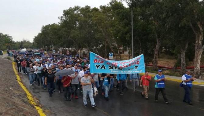 Tüpraş işçileri, vardiya sisteminin değiştirilmesi nedeniyle eyleme başladı