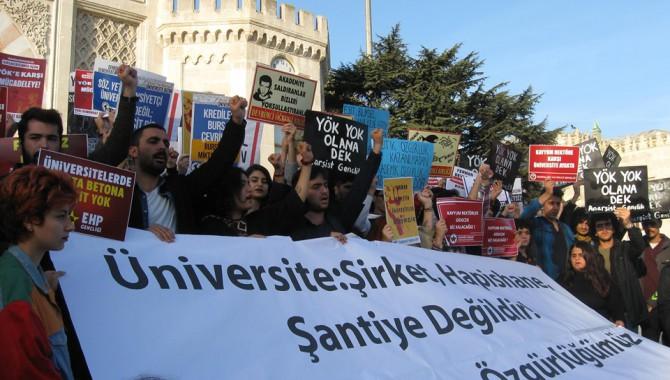 Üniversiteler rant kapısı değildir!