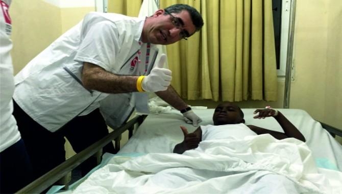 Yeryüzü Doktorları Kenya'da 6 güne 59 ameliyat sığdırdı