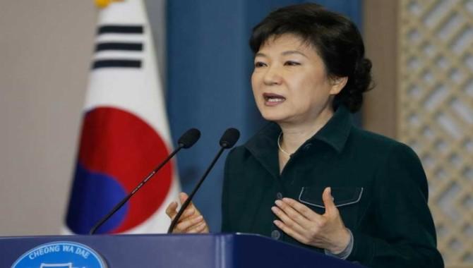 Yüzbinler sokak eylemlerini sürdürüyor: Güney Kore Devlet Başkanı'ndan istifa sinyali