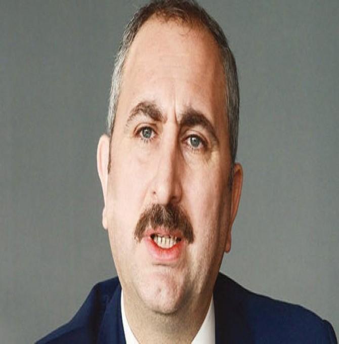 Adalet Bakanı'ndan, savcının başörtüsü görüşü hakkında açıklama