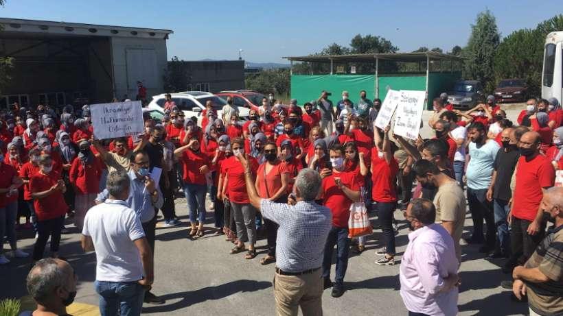 DERİTEKS, TİS'i uygulamayan ETF Tekstil önünde eylem yaptı