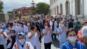 İstanbul'da sağlık emekçileri şiddete karşı yürüdü