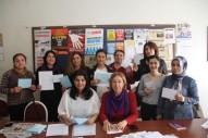 Tutuklu kadınlara kart gönderildi